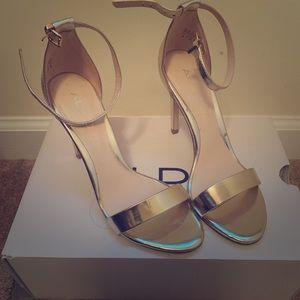 Gold One strap pumps